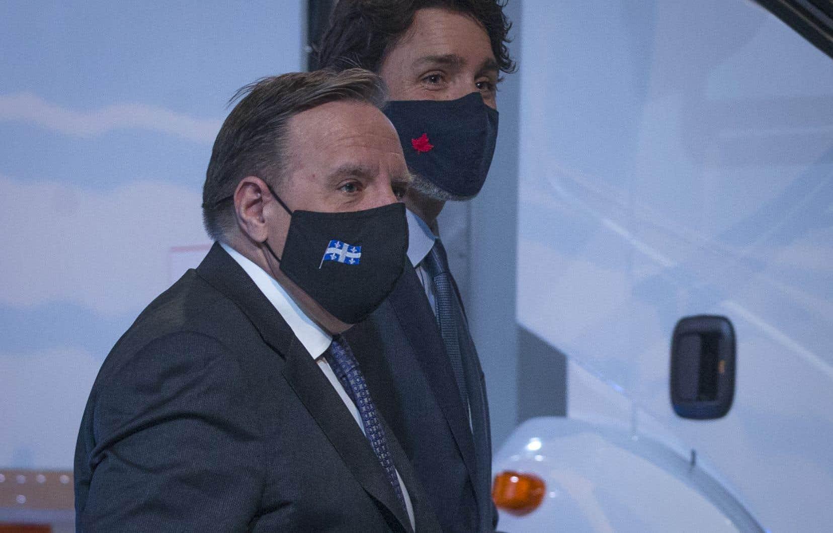 Les premiers ministres Justin Trudeau et François Legault tenaient une conférence de presse conjointe à Montréal, lundi matin, pour faire une annonce à saveur économique.