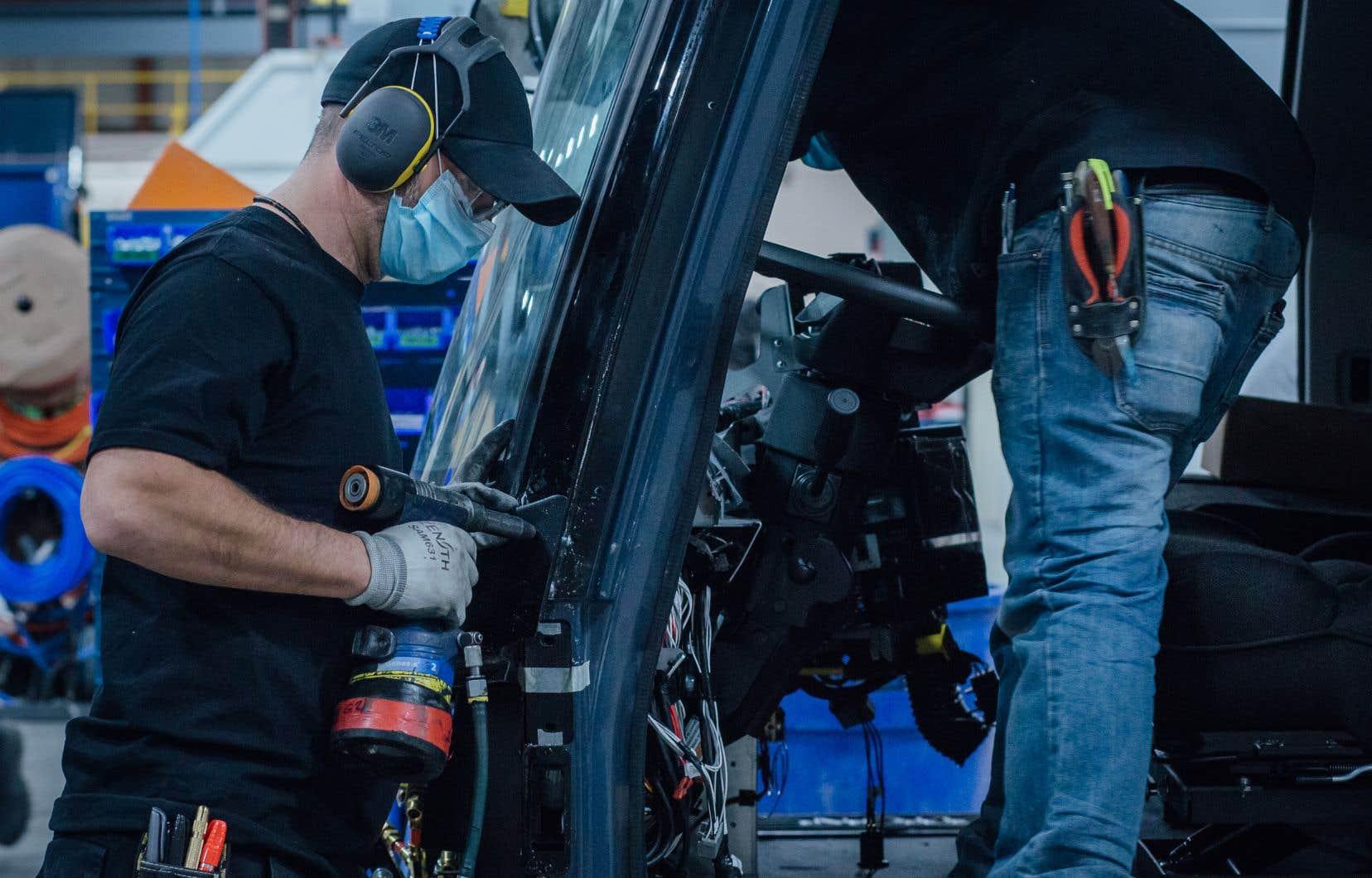 L'usine de batteries du Québec servira  à alimenter non seulement la production québécoise de véhicules Lion, mais aussi celle des États-Unis.