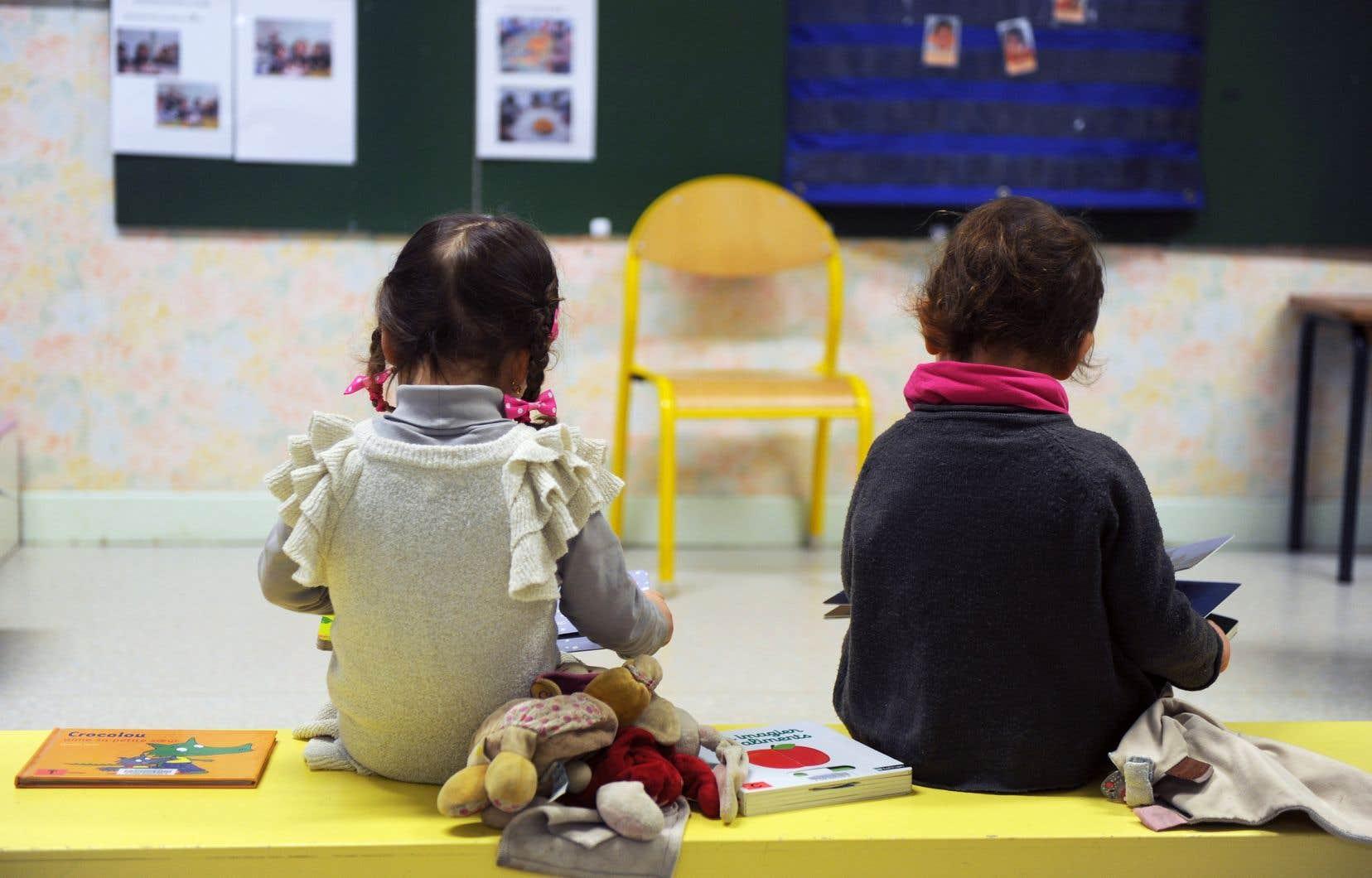 «Il est important de soutenir l'entrée dans l'écrit, la découverte et l'apprentissage des lettres à l'éducation préscolaire, et ce, au moyen d'approches adéquates et respectueuses des caractéristiques du jeune enfant (...)», affirment les signataires.