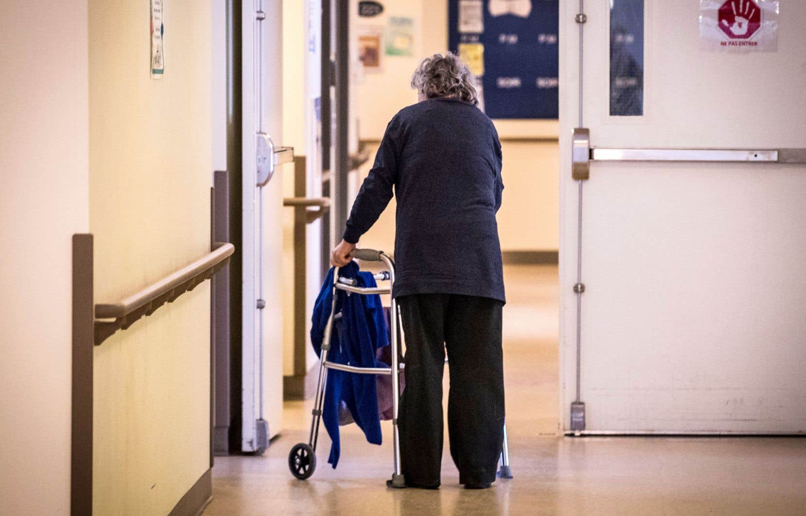 Une étude danoise confirme la nécessité de protéger les personnes plus âgées même si elles ont souffert d'une infection précédente.