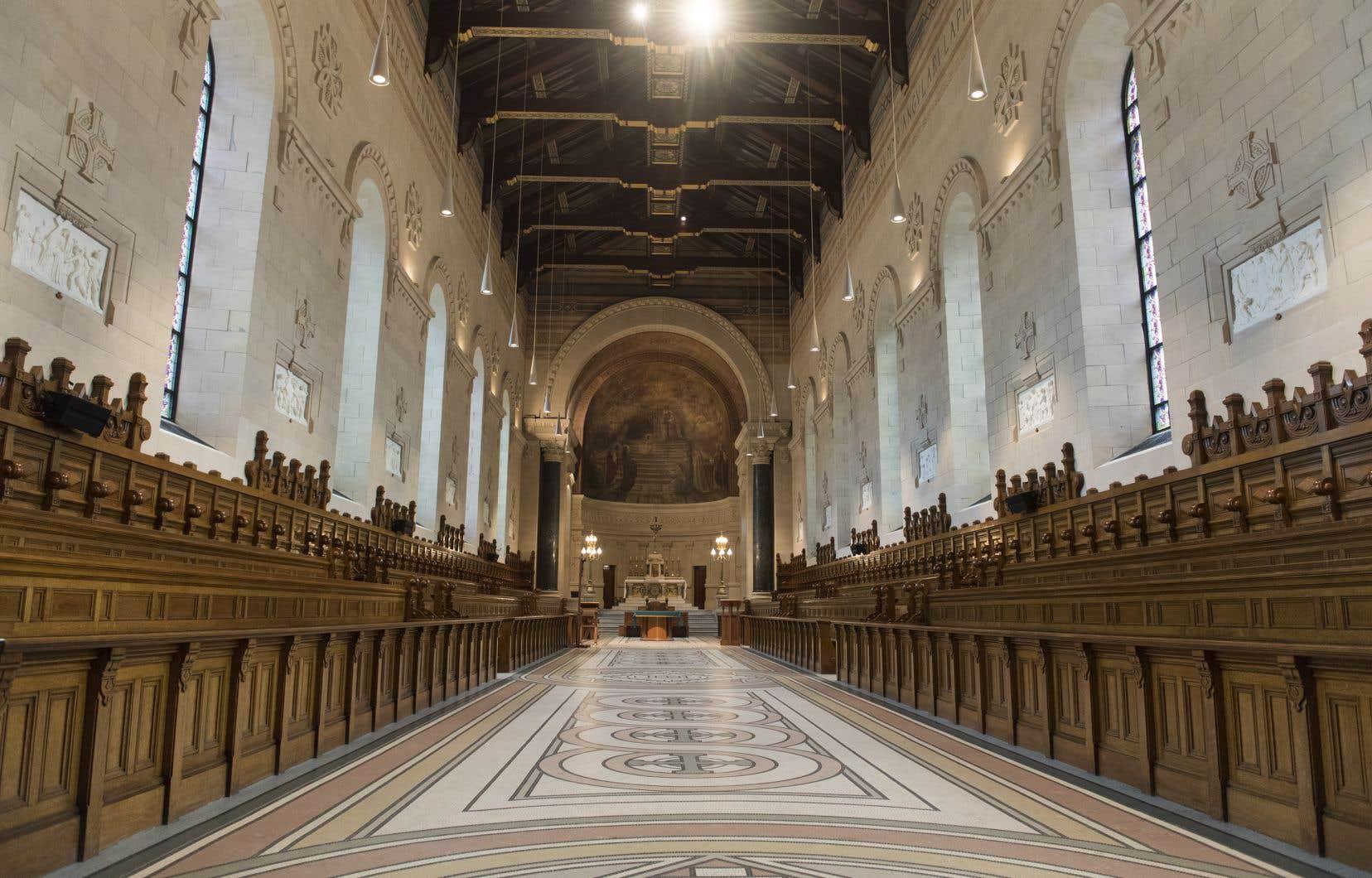 Dès vendredi, tous les lieux de culte au Québec pourront accueillir jusqu'à 250 personnes, même en zone rouge.