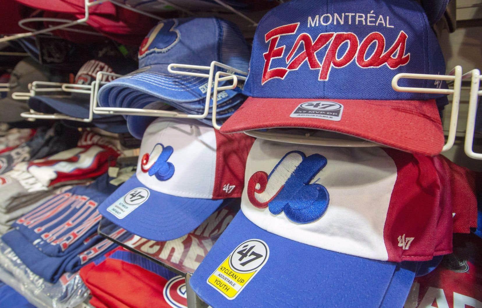 «La grande famille québécoise vit depuis plus de 50ans la saga des Expos qui, même s'ils nous ont quittés depuis l'époque de Selig, continuent toujours de faire couler beaucoup d'encre», précise l'auteur.