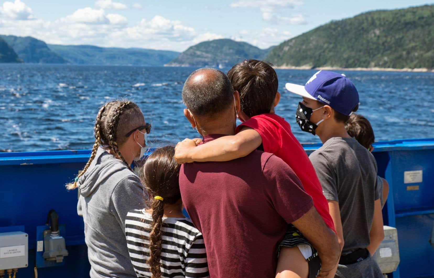Au chapitre de l'aide au développement régional (523millions en cinq ans), l'industrie touristique québécoise bénéficiera du plus gros coup de pouce, avec une aide de 205millions qui viendra s'ajouter aux 750millions déjà annoncés au printemps dernier.