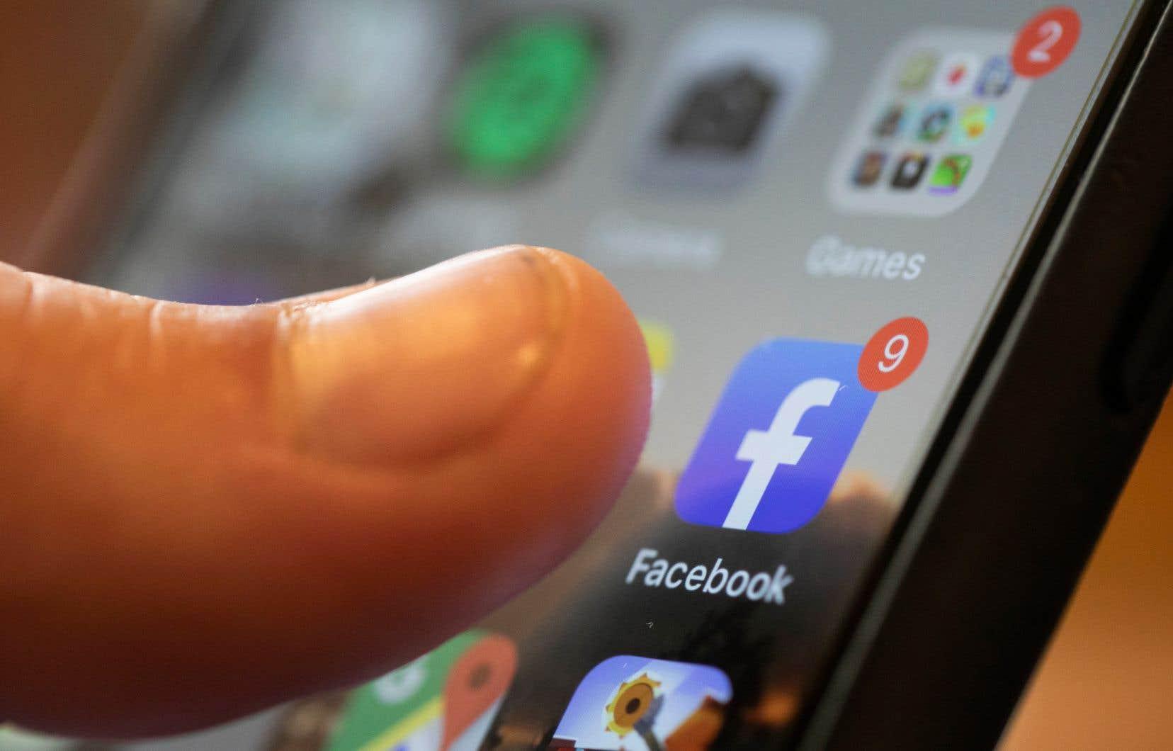 Dans l'objectif de restreindre la liberté d'expression «le moins possible», Facebook indique ne pas souhaiter censurer tout le contenu problématique généré par ses usagers.