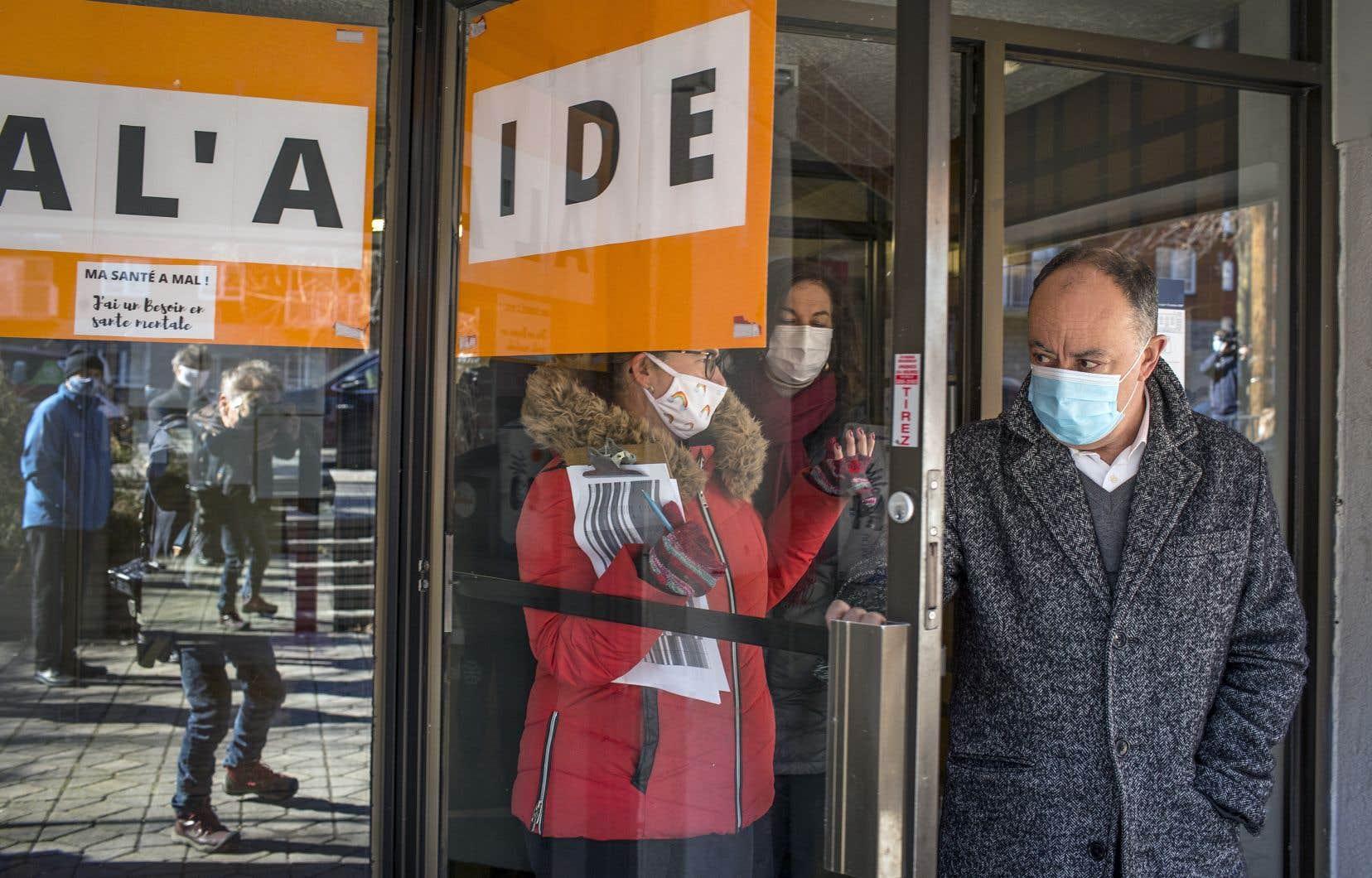Le ministre québécois de la Santé, Christian Dubé, était de passage dans un clinique éphémère de vaccination à Montréal-Nord.