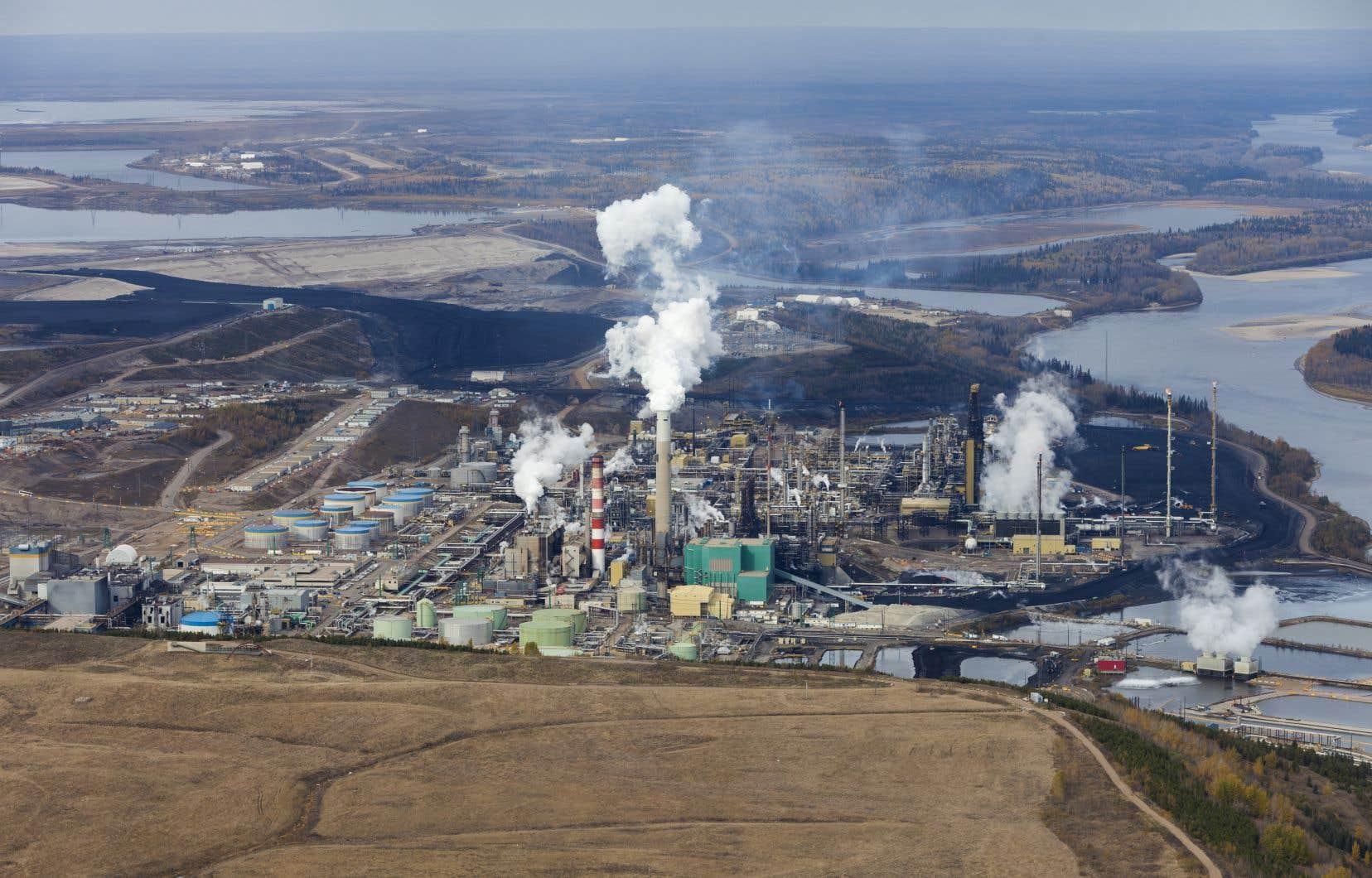 D'après le gouvernement fédéral, l'Alberta a enregistré une hausse de 18 % de ses GES, soit 232 millions de tonnes en 2005 contre 273 millions de tonnes en 2018.