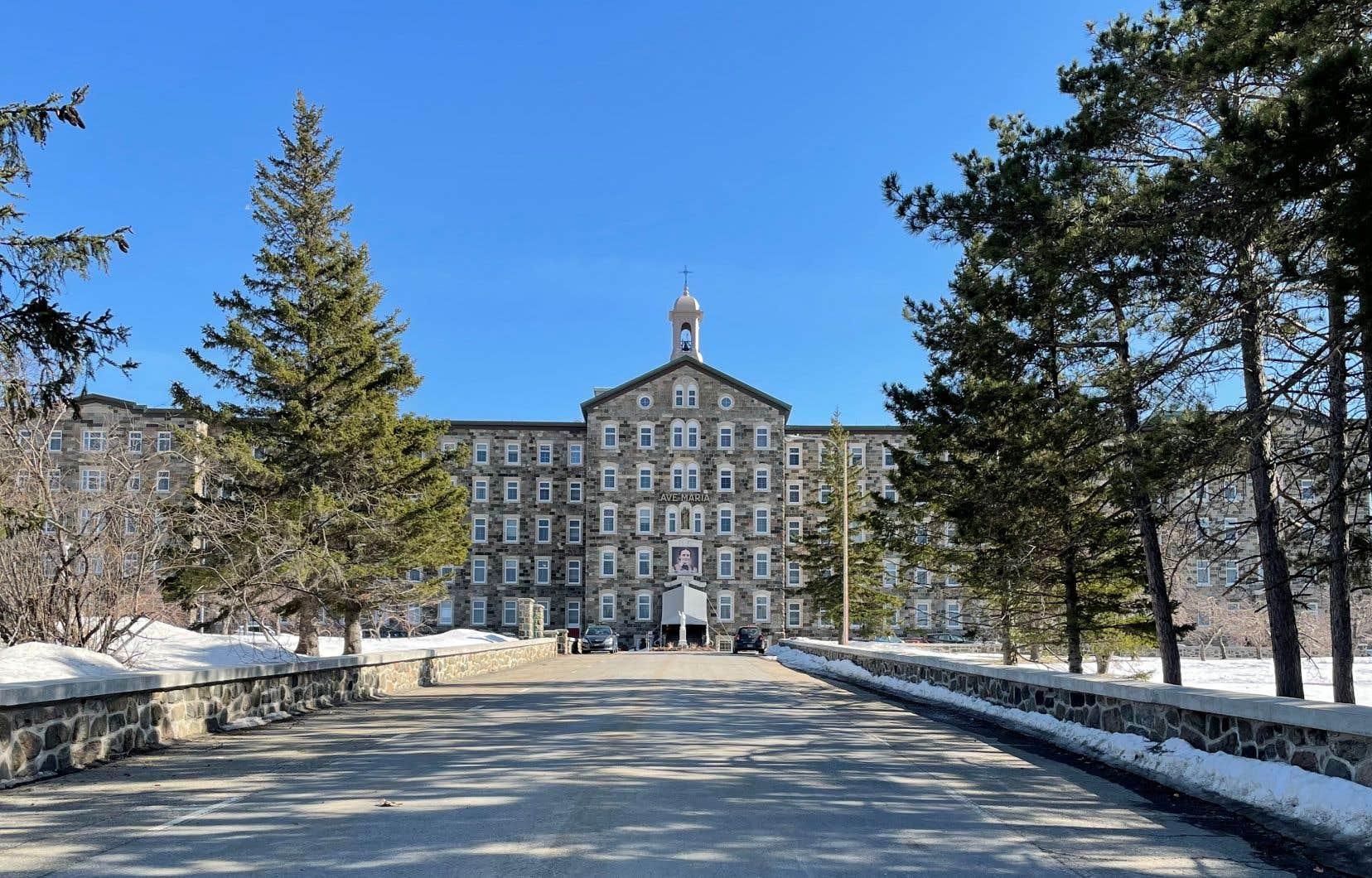 Une partie du couvent des Sœurs de Notre-Dame du Saint-Rosaire pourrait être convertie en logements sociaux.