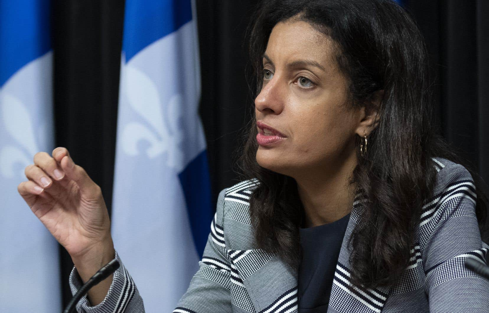 Le Québec n'est pas une île, a martelé en point de presse la cheffe du PLQ, Dominique Anglade, qui accuse François Legault d'avoir ignoré les nombreux signaux d'alarme.