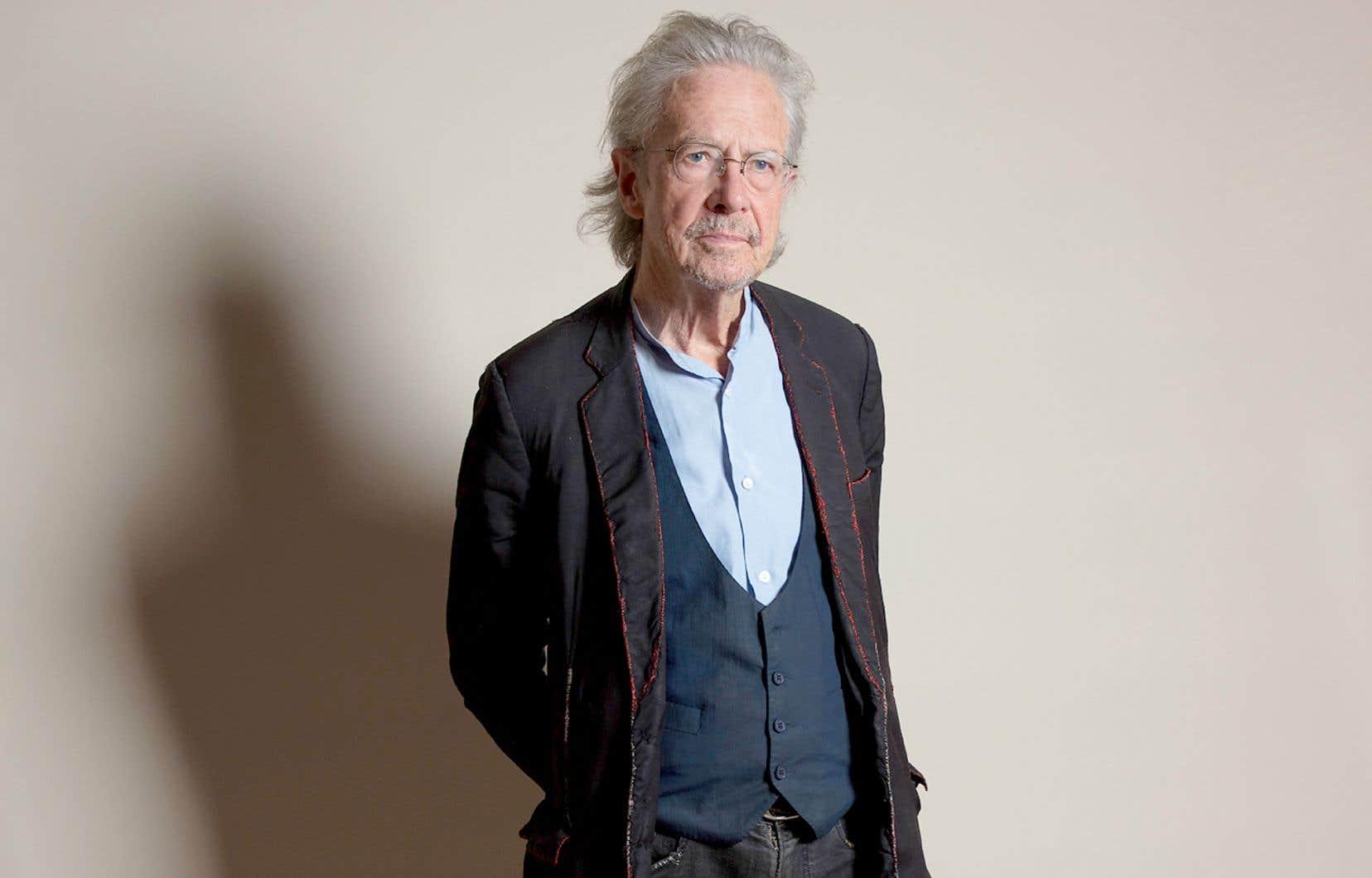 Peter Handke est l'auteur de longs romans, de courts essais, de pièces de théâtre, de poésie et de traductions — il nous a aussi donné les dialogues du sublime film «Les ailes du désir», de Wim Wenders.