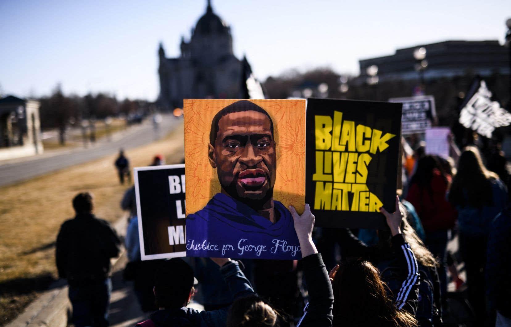 C'est désormais l'espoir d'un verdict condamnant avec force cette fatalité du sort des Afro-Américains qui est attendu par tout un pan des États-Unis.
