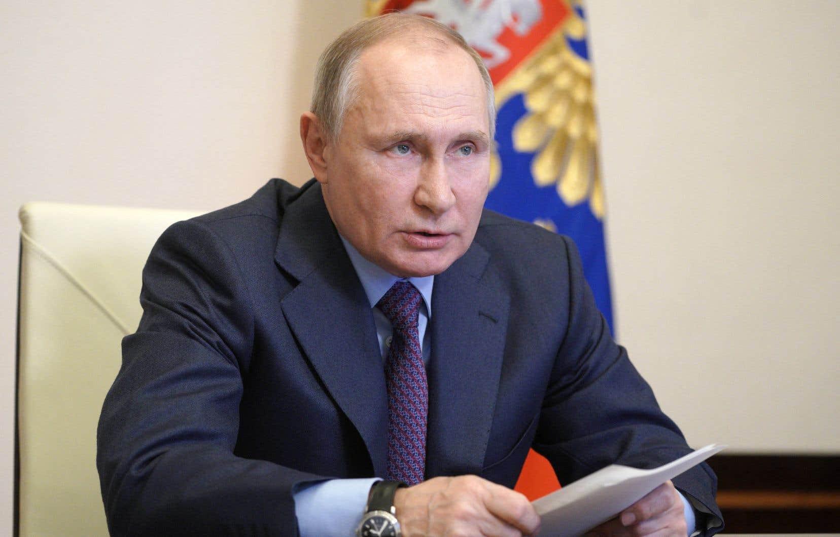 Vladimir Poutine, aux commandes du pays depuis 2000, aurait dû en théorie se retirer à la fin de son mandat actuel en 2024.