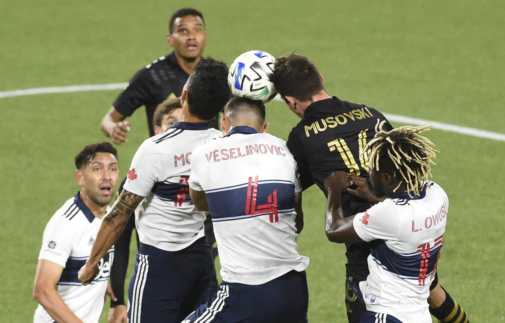 Les changements autorisés en raison d'une commotion cérébrale pourront être effectués même si le joueur en question est revenu sur le terrain.