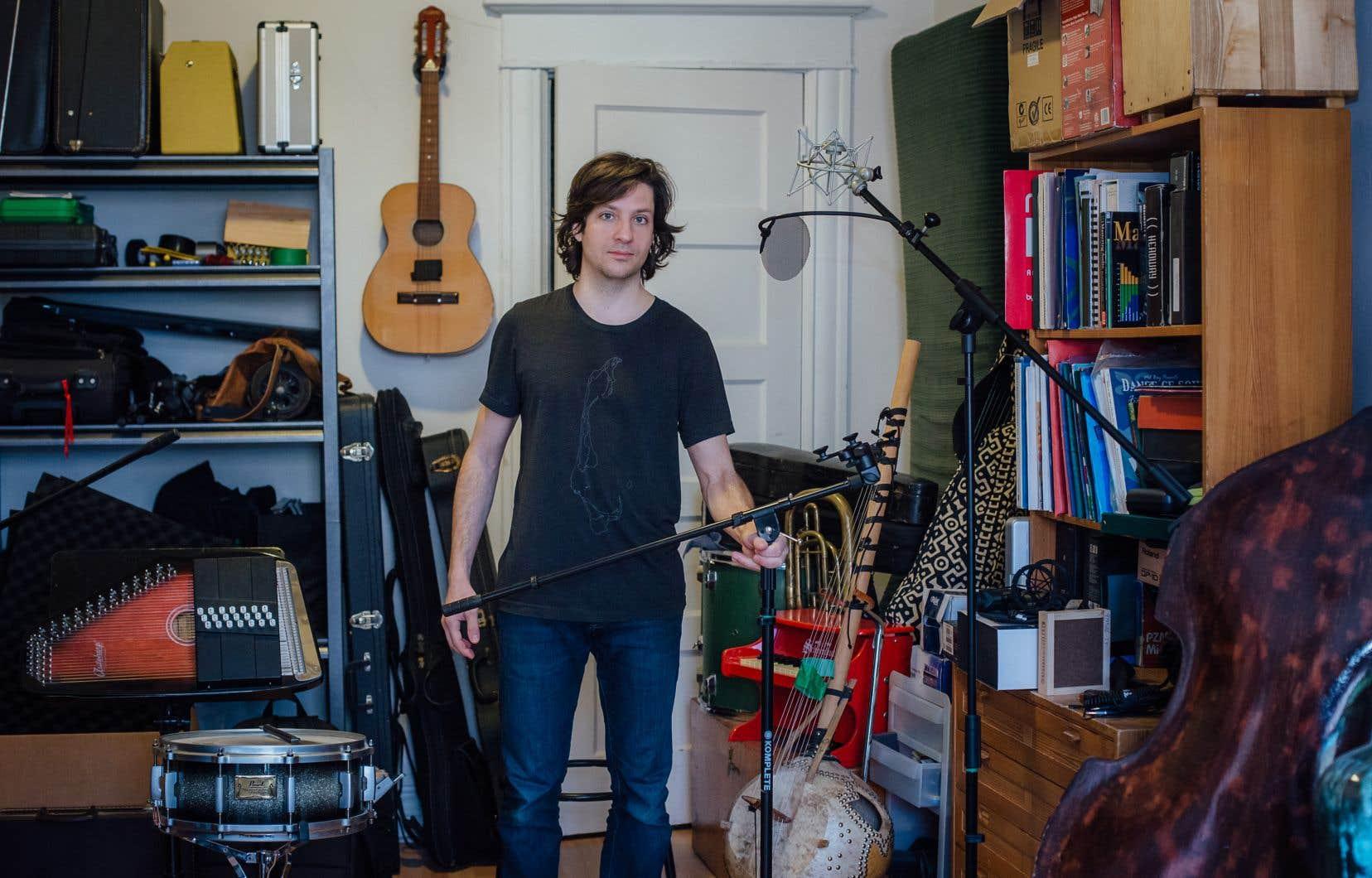 Dans son album <i>Archives</i>, Cédric Dind-Lavoie voulait mettre en valeur l'héritage qu'ont laissé les interprètes de musique traditionnelle québécoise et les folkloristes.