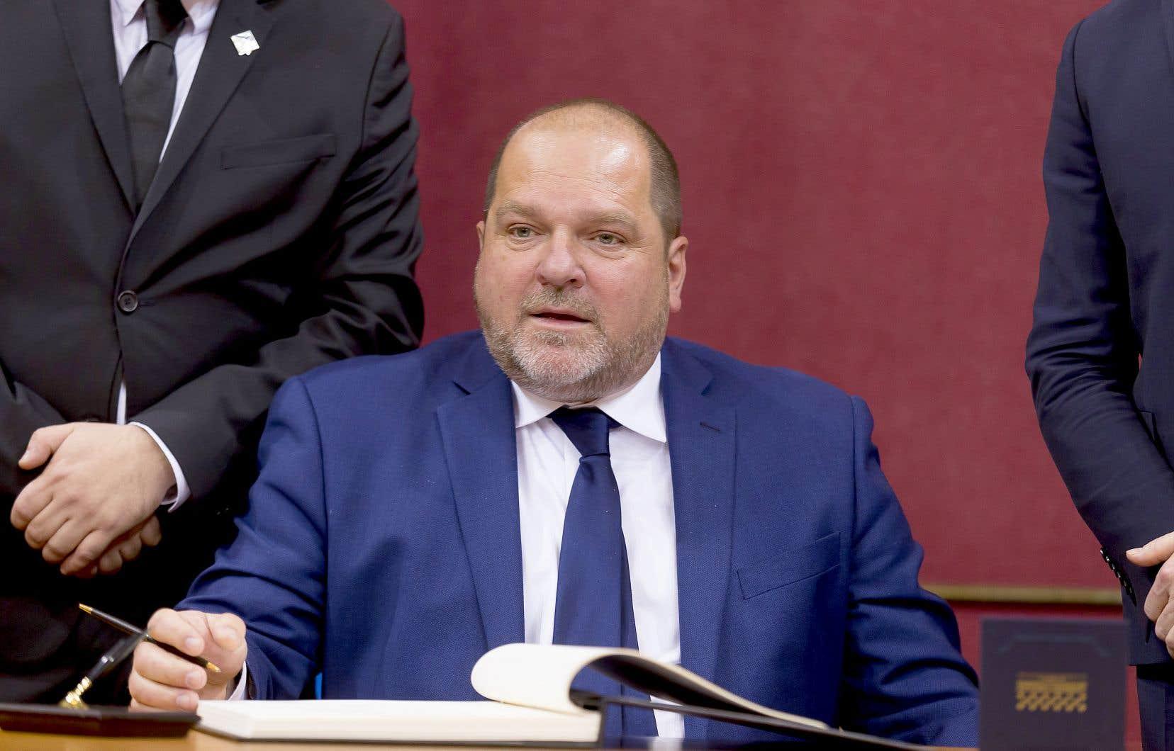 Ledéputé de Rimouski, Harold LeBel, lors de son assermentation en 2018