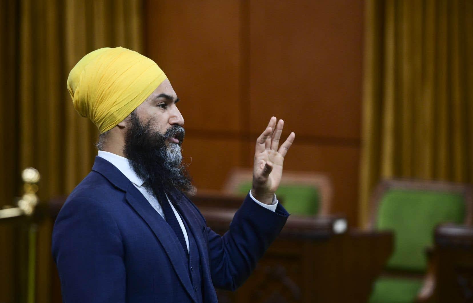 Jagmeet Singh, qui porte lui-même le turban sikh, s'est toujours opposé à la Loi sur la laïcité de l'État, tout en disant respecter la compétence du Québec de légiférer en la matière.