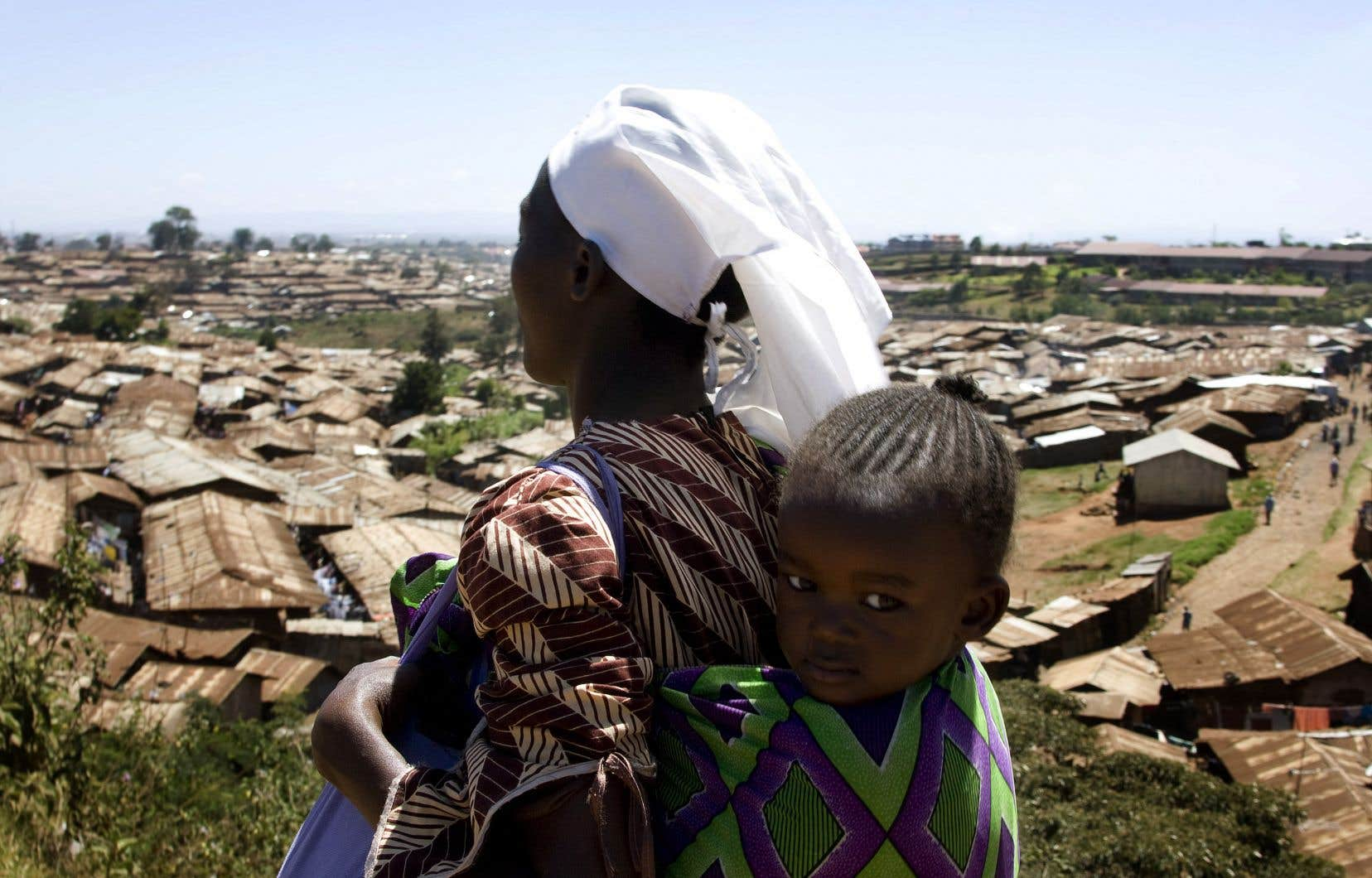 «La coopération et l'aide internationale sont encore plus nécessaires que jamais en contexte post-pandémie pour aider les pays moins favorisés à faire face aux nombreux défis tels que la lutte contre la pauvreté, l'adaptation aux changements climatiques, l'appui à une gouvernance démocratique, l'accès équitable aux services de base et la prévention des épidémies», estime l'auteur.