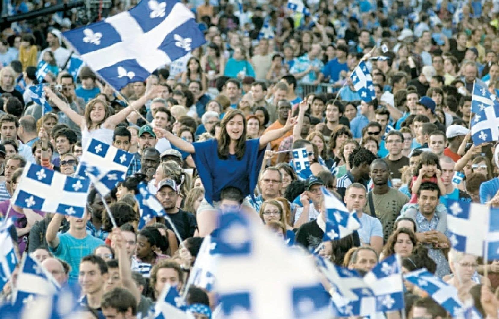La foule célèbre la Fête nationale du Québec au parc Maisonneuve.<br />