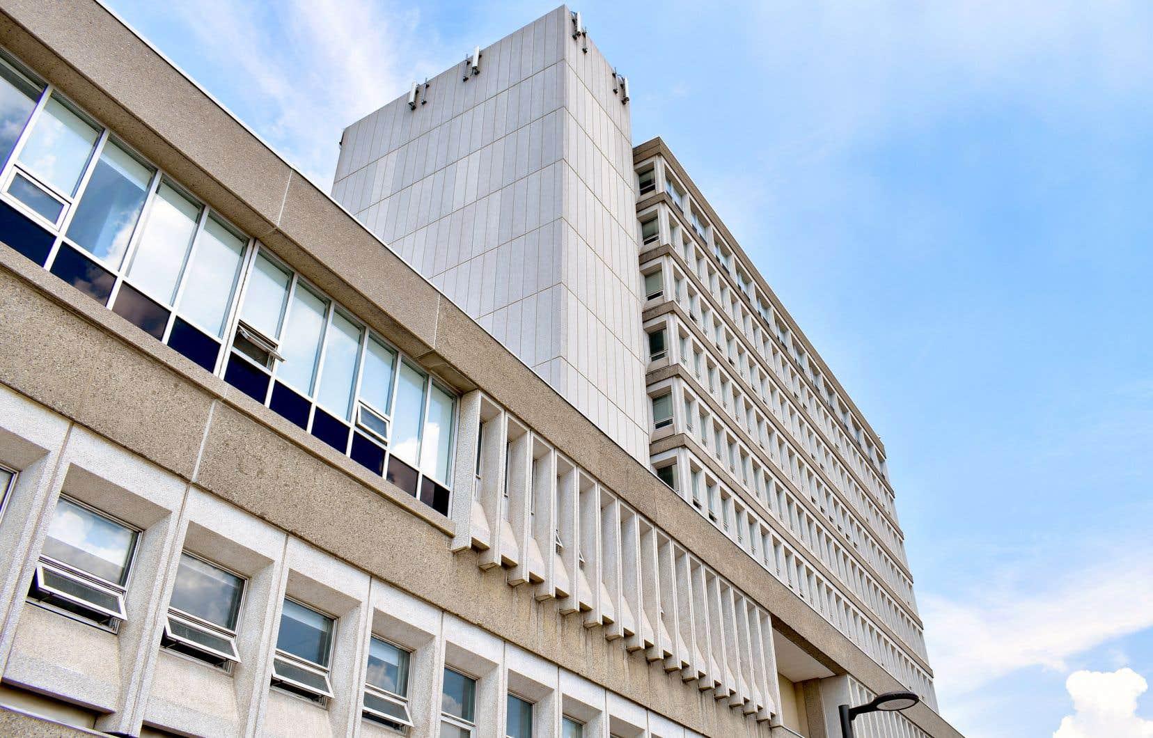 Fait unique au Canada, l'Université Laurentienne s'est placée sous la protection de la Loi sur les arrangements avec les créanciers — une procédure normalement destinée aux entreprises privées.