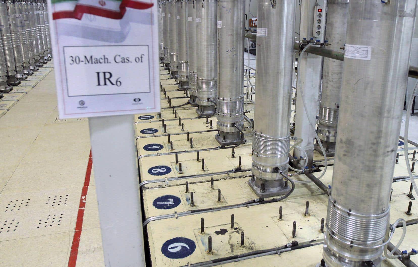 L'usine d'enrichissement située au sein du complexe nucléaire de Natanz est celle-là même où Téhéran a mis en service ou a commencé à tester samedi de nouvelles cascades de centrifugeuses avancées.