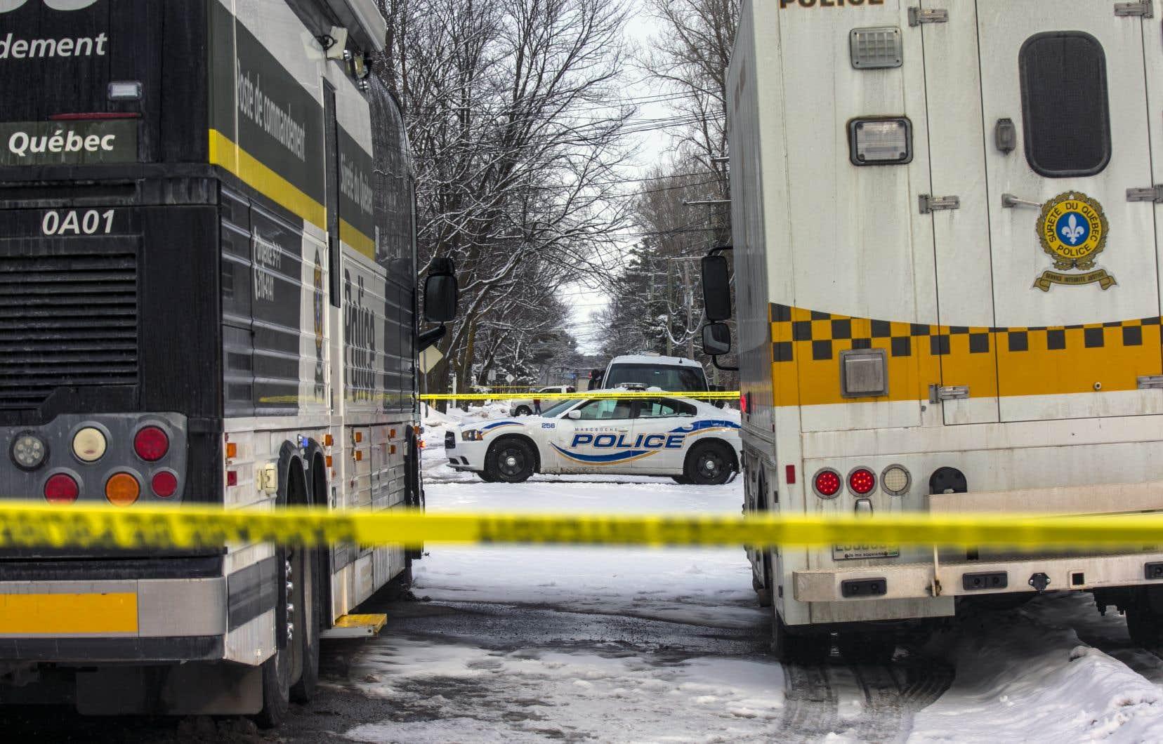 Benoit Cardinal est accusé du meurtre prémédité de sa conjointe Jaël Cantin, mère de ses six enfants. La femme de 33ans a été retrouvée sans vie dans leur résidence familiale de Mascouche le 16janvier 2020.