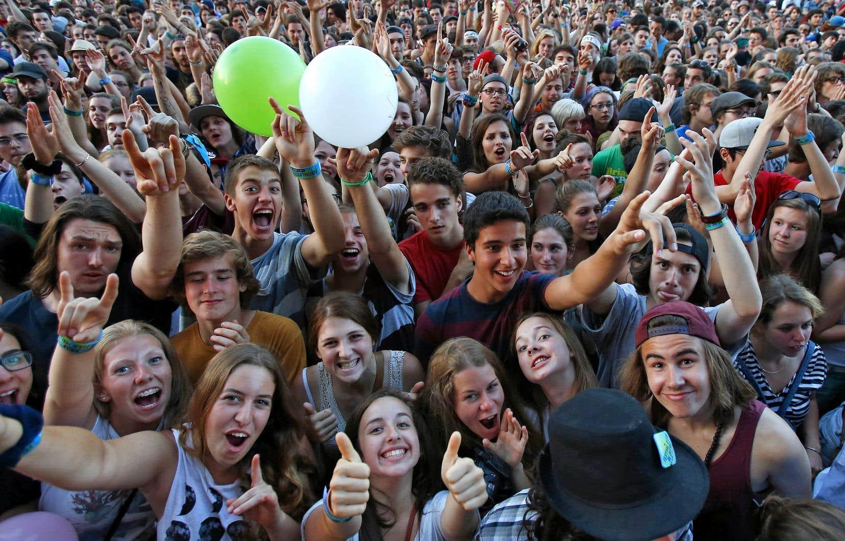 Les jeunes de 18 à 30 ans sont de gros consommateurs d'arts de la scène et vont voir les spectacles tarifés autant que gratuits, en intérieur ou en extérieur.