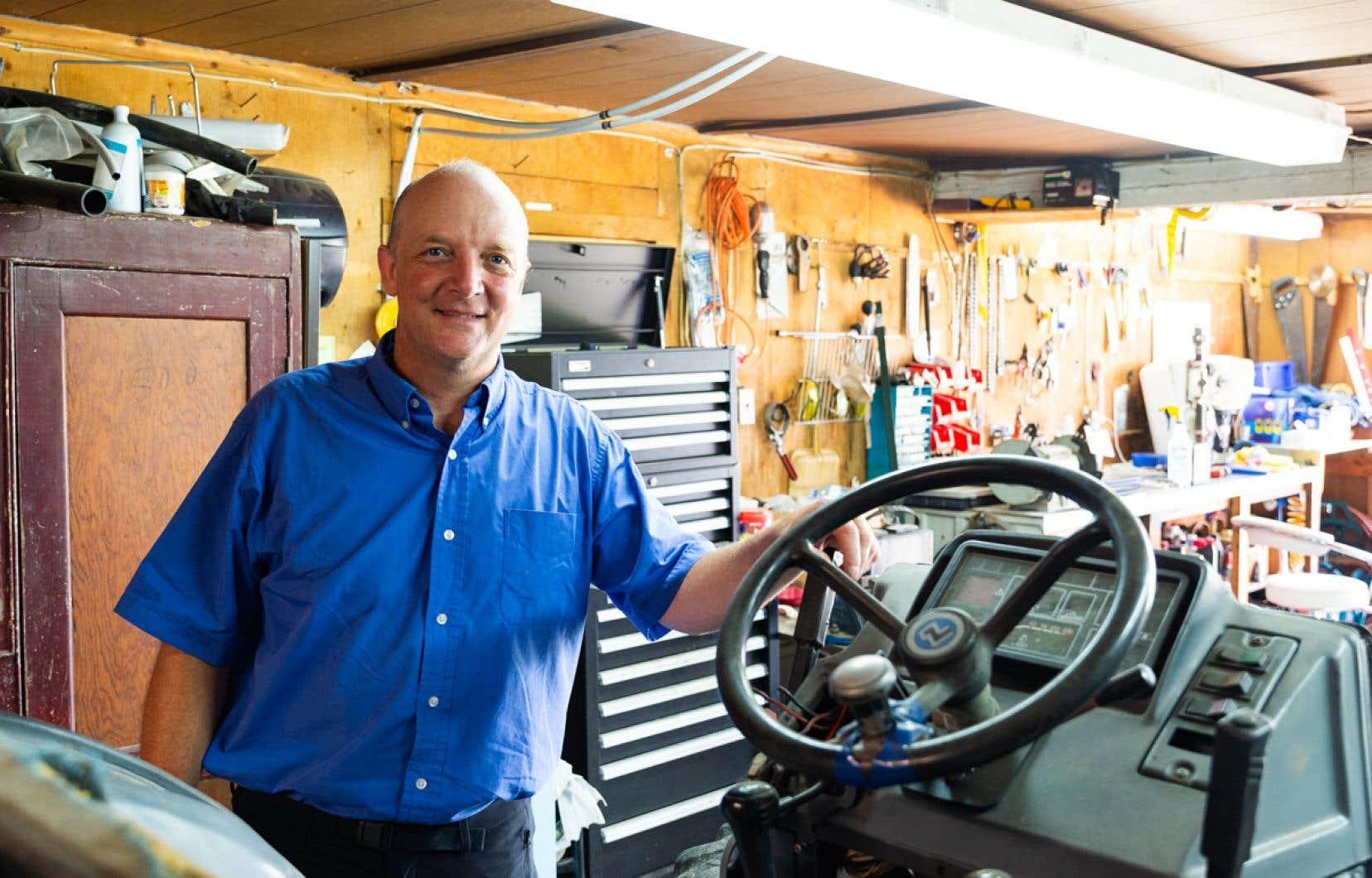 «Il n'existe pas de marche à suivre pour électrifier un tracteur; il faut la rédiger. C'est comme un casse-tête de milliers de morceaux à résoudre», illustre Hubert Philion.