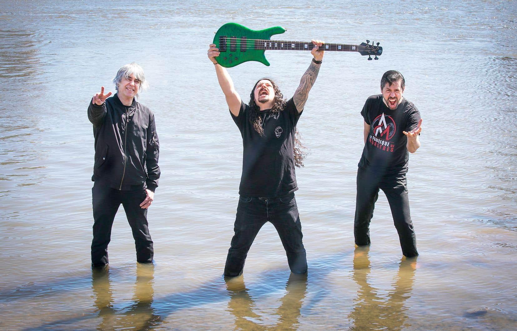 Trois death métalleux verts: Michel Langevin de Voivod, Olivier Pinard (guitare) de Cattle Decapitation et Sébastien Croteau de Necrotic Mutation