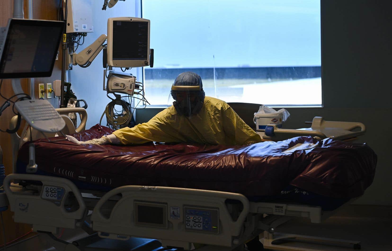 Sans surprise, ce sont les effets de la pandémie de COVID-19 qui ont eu un impact sur cette hausse significative du nombre de morts l'an dernier au pays.