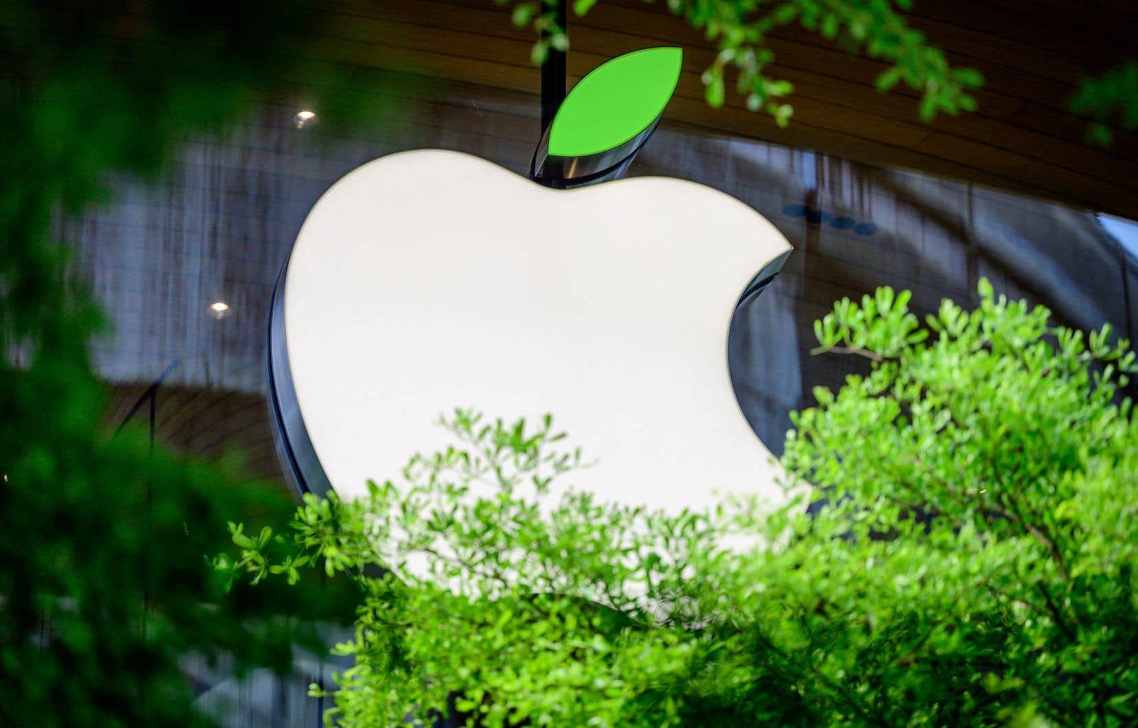 Le fabricant du iPhone a doté un nouveau fonds de 200millions de dollars, pour investir dans des projets forestiers afin d'aider à absorber le carbone qui se trouve dans l'atmosphère.
