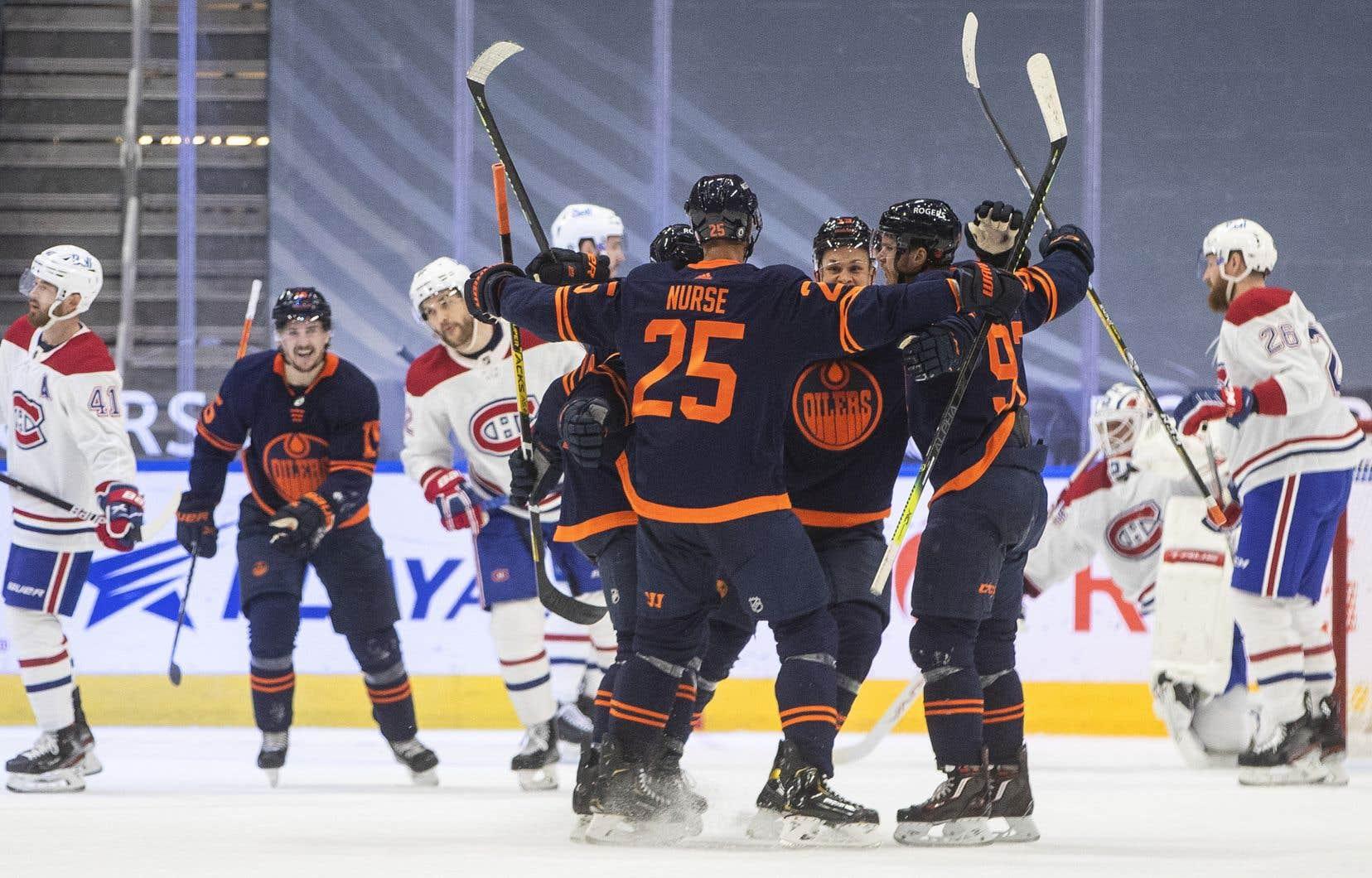 Les Oilers ont augmenté la pression en troisièmepériode.