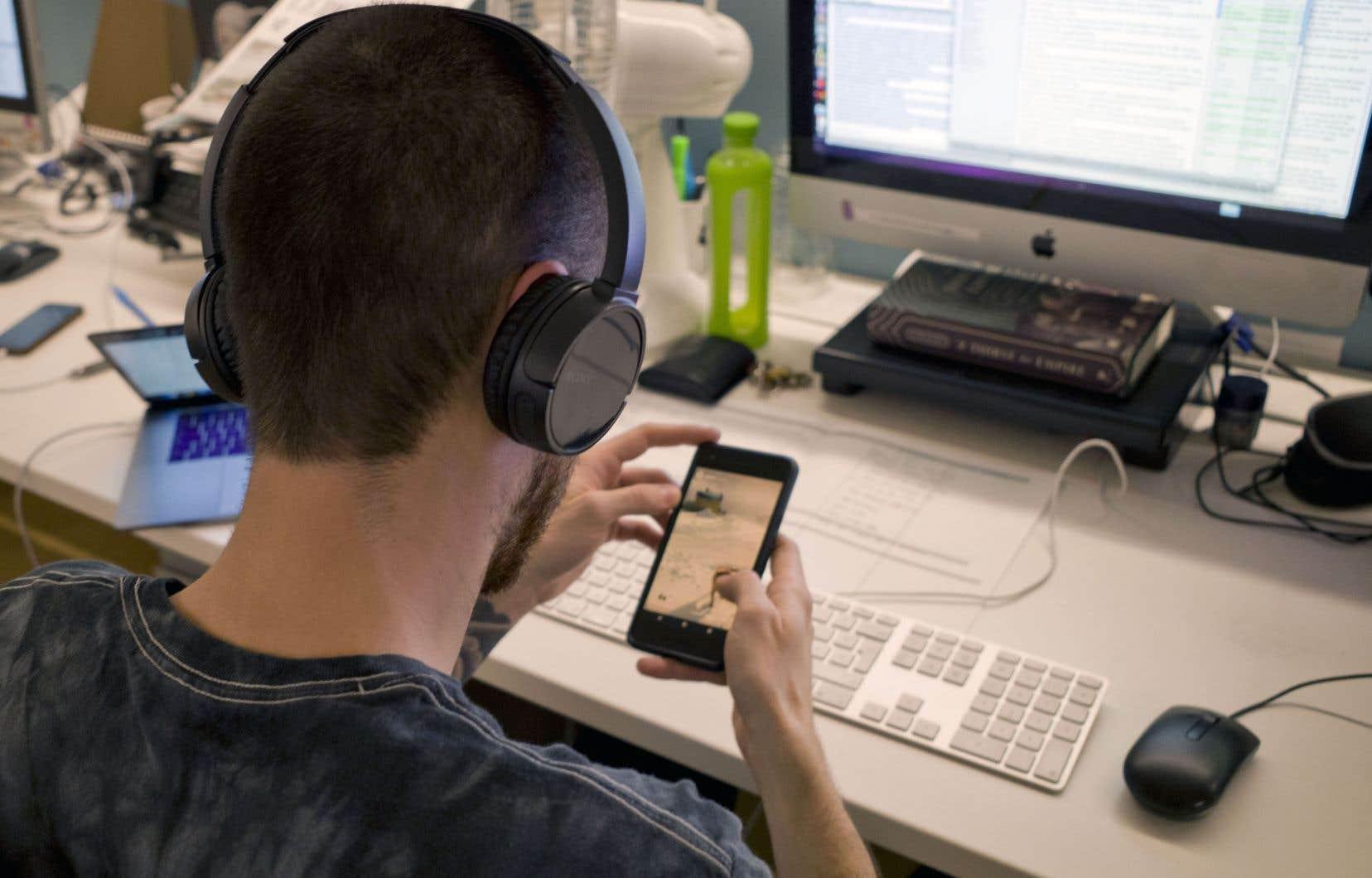 Le cabinet eMarketer s'attend à ce que le chiffre d'affaires publicitaire des podcasts aux États-Unis franchisse cette année 1,33milliard de dollars.