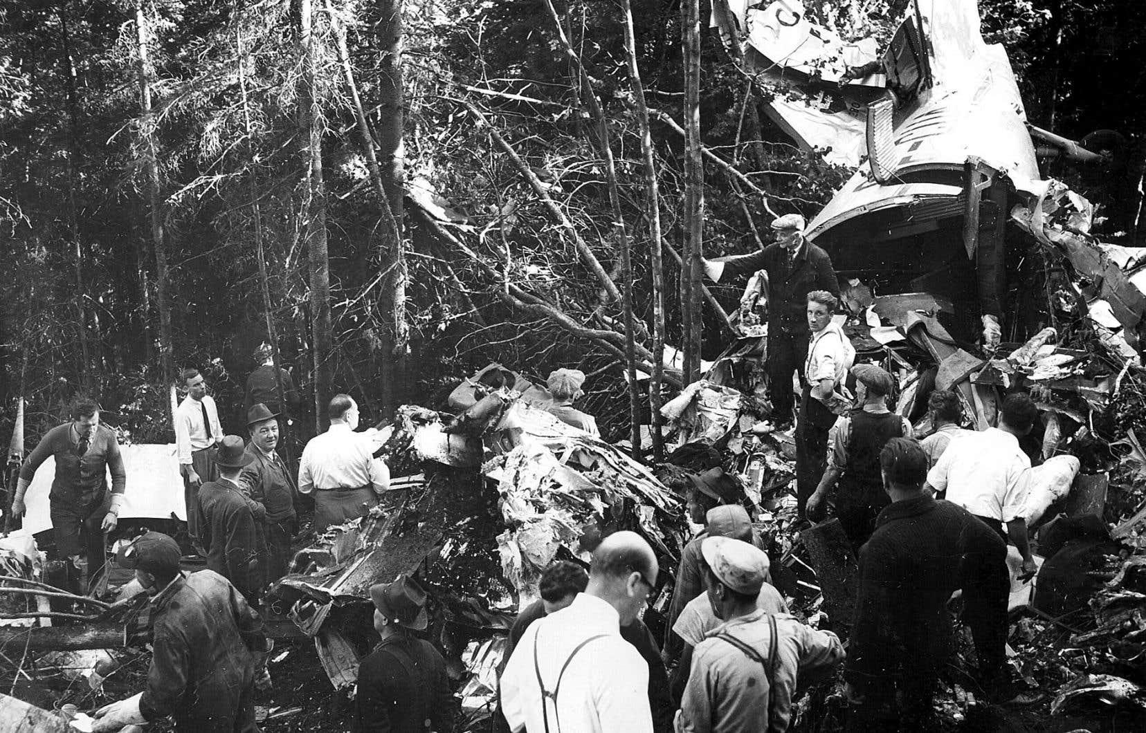 Photo d'archives de la tragédie aérienne du Sault-au-Cochon, qui a fait 23 morts le 9 septembre 1949.