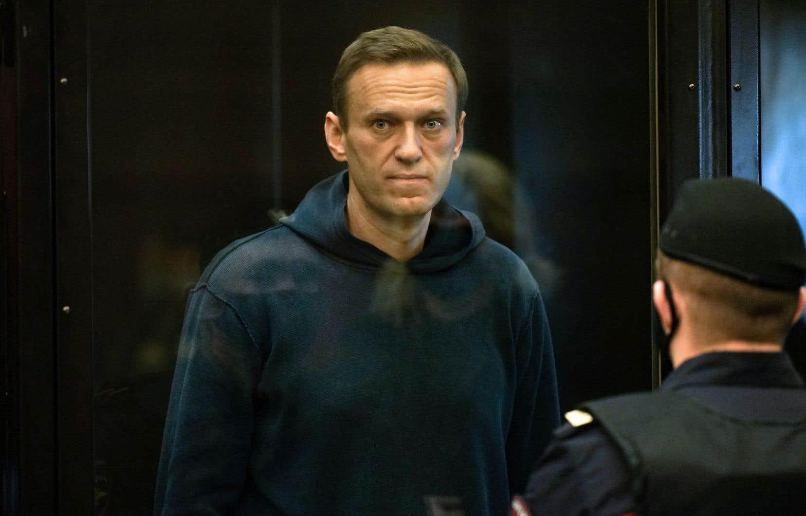 <p>M.Navalny avait cessé de s'alimenter le 31mars pour protester contre ses conditions de détention, accusant l'administration pénitentiaire de le priver d'accès à un médecin alors qu'il souffre d'une double hernie discale, selon ses avocats.</p>