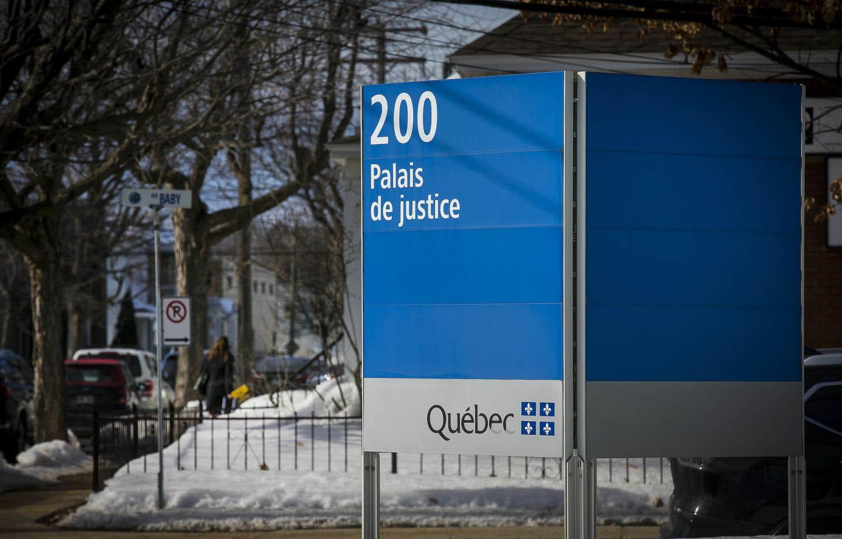 Le procès de Benoit Cardinal pour le meurtre prémédité de sa conjointe se déroule au palais de justice de Joliette.