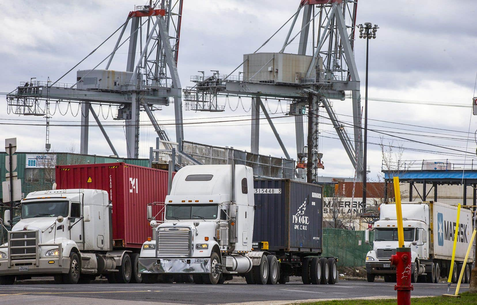 Les débardeurs du port de Montréal sont sans contrat de travail depuis décembre 2018.