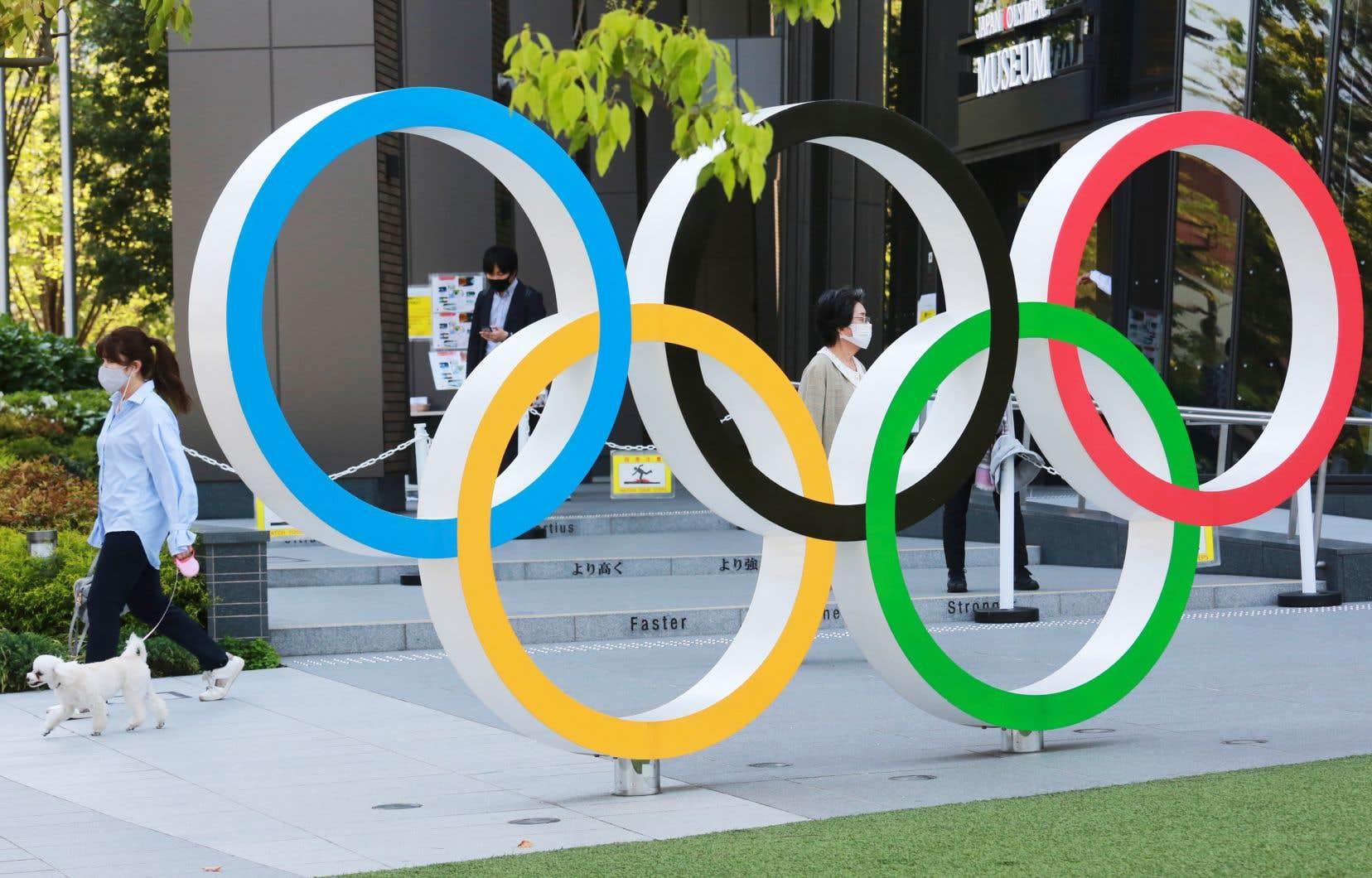Le guide pour les athlètes devrait être mis à jour mercredi, tandis que tous les autres — incluant celui pour les journalistes — seront rendus publics vendredi.