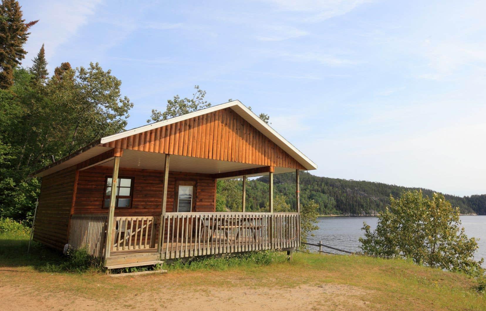 L'un des chalets du Village Vacances Petit-Saguenay