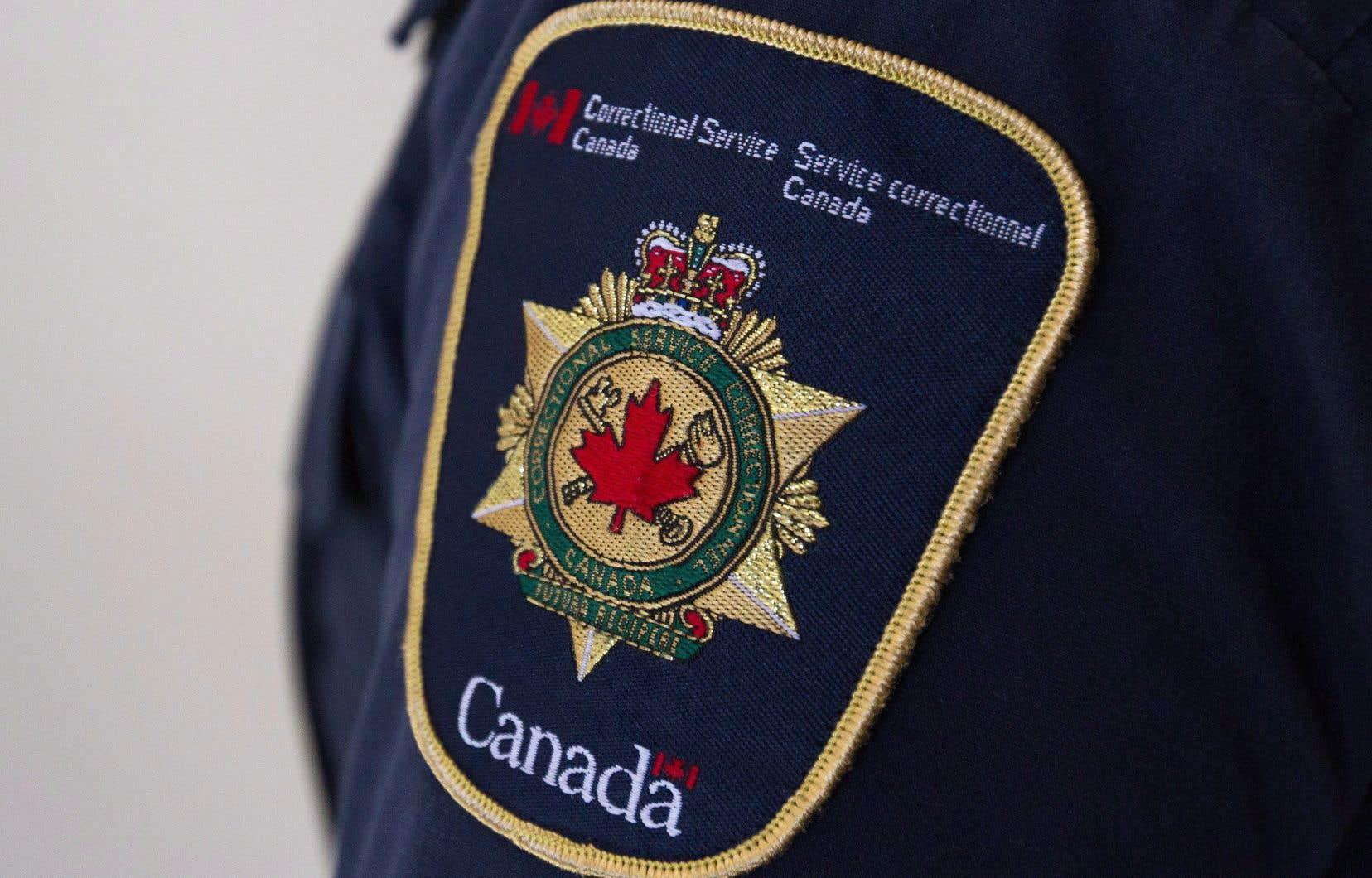 «Mise en place dans les années 1980 à la demande du Service correctionnel du Canada, la surveillance directe offerte aux partenaires du réseau communautaire présente de solides avantages en matière d'intervention», explique l'auteur.
