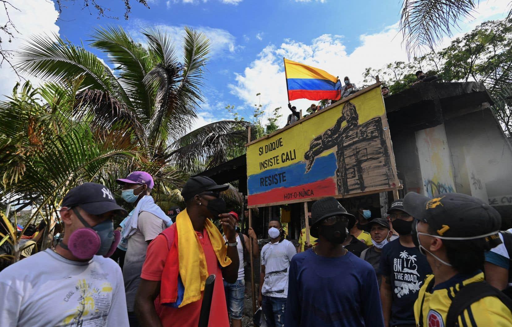 L'annonce vendredi soir du président de droite Ivan Duque, qui s'est dit prêt à réviser le projet de réforme afin de trouver un «consensus», n'a pas affaibli la détermination des protestataires.