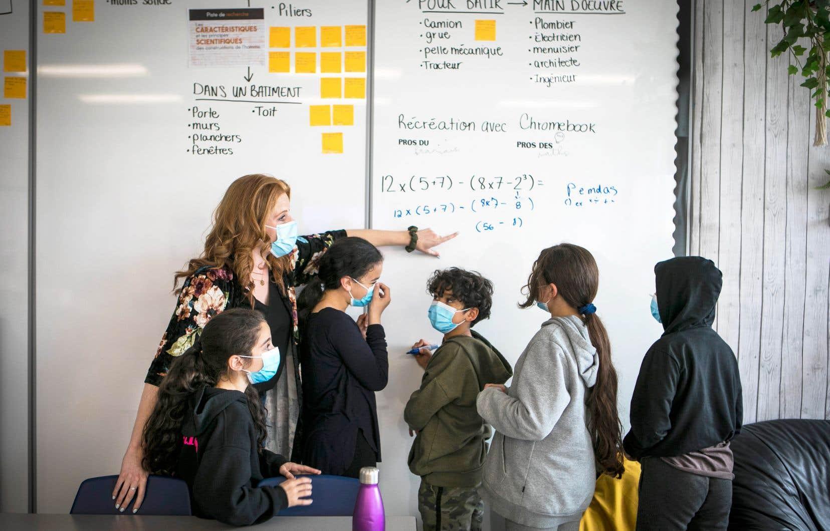 Les élèves et le personnel de l'école des Aventuriers ont ainsi commencé leur année scolaire dans les trente locaux modulaires installés sur le terrain de l'établissement.