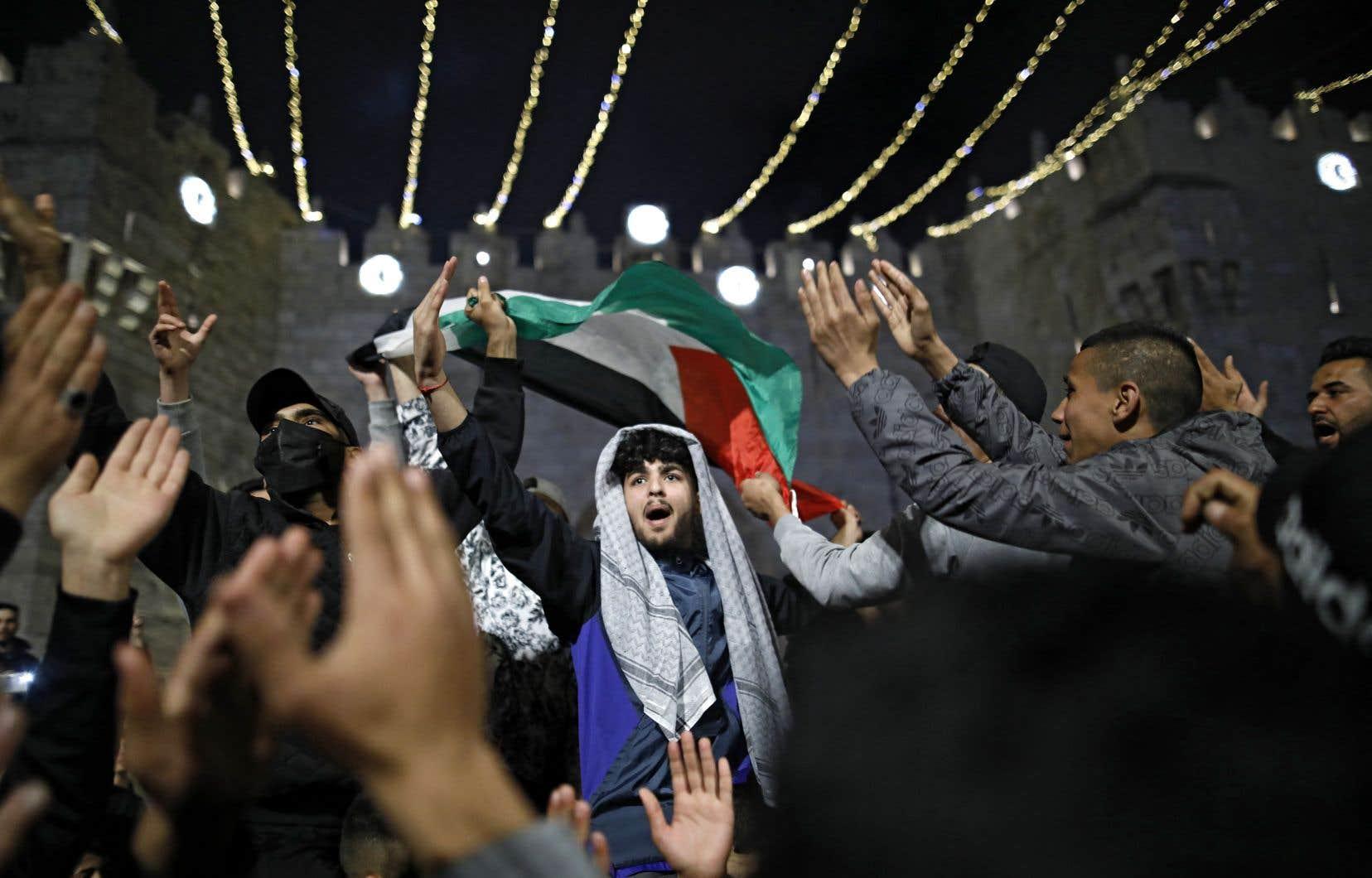 L'annonce de Mahmoud Abbas a semé la déception chez les Palestiniens, qui voient dans ce report sans nouvelle date une annulation pure et simple des premières élections palestiniennes en quinze ans.