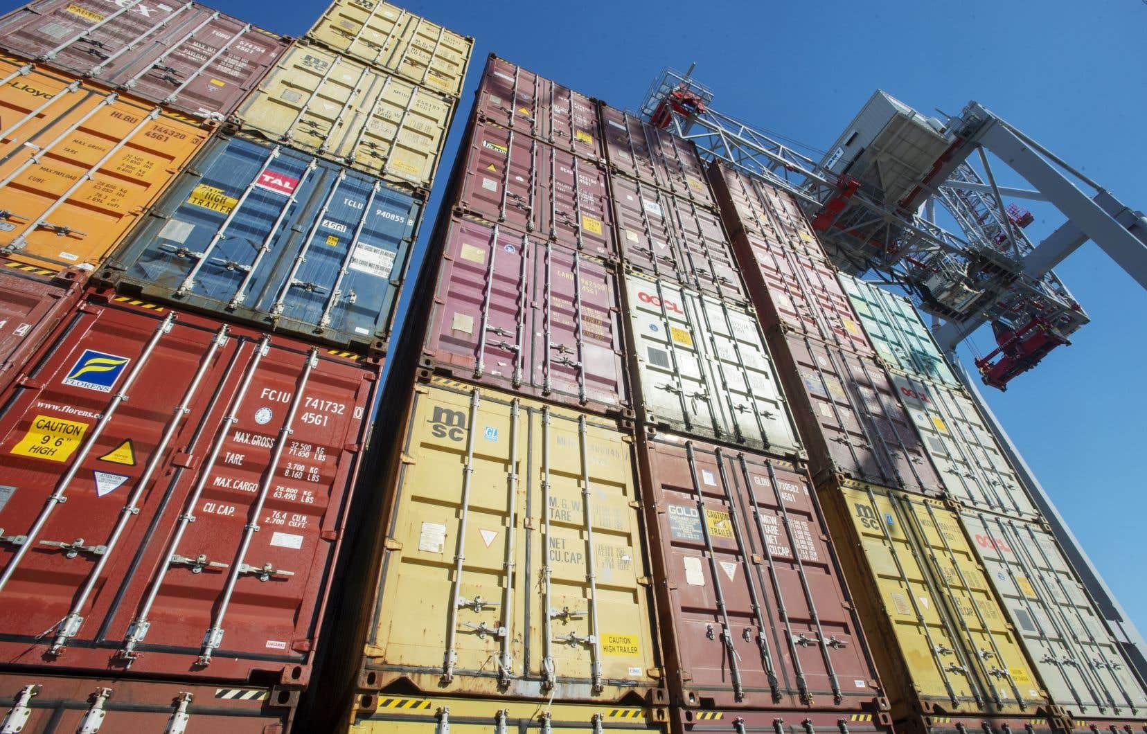 Le nombre de conteneurs en transit au port de Montréal a subi une baisse de 5,5% l'an dernier.
