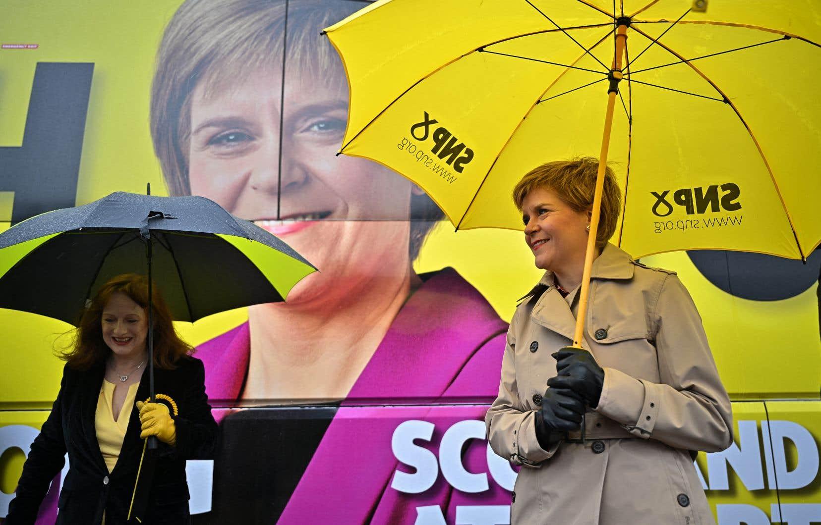 Si Nicola Sturgeon était réélue avec une majorité absolue de 65 députés, elle pourrait invoquer la légitimité des urnes pour forcer l'organisation d'un second référendum.