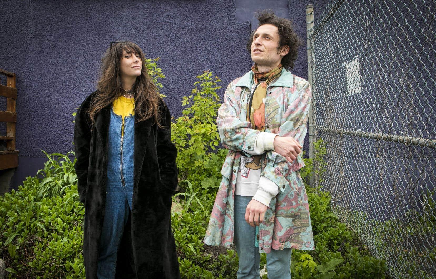 Autrefois un duo, ensuite un trio avec Éliane Préfontaine, Julia Daigle et Pierre-Luc Bégin ont créé cet album en duo, faisant ainsi un retour aux sources.
