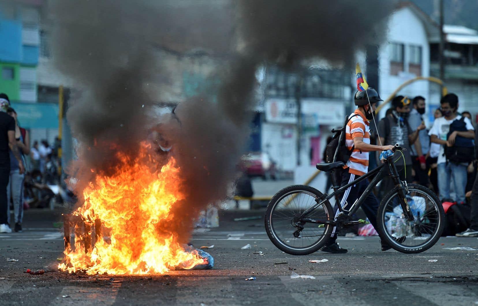 Les troubles y ont fait 32 morts, dont sept liés aux manifestations, selon la mairie.