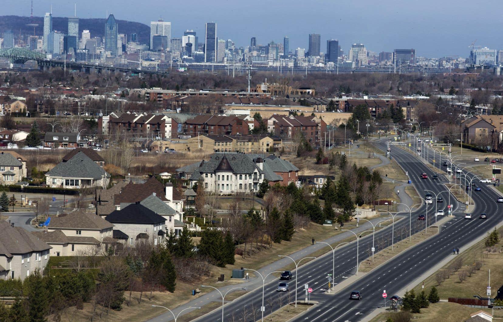 L'exode vers la banlieue continuera par ailleurs de bénéficier aux régions éloignées voisines de la grande région de Montréal, où les logements sont généralement plus abordables, prévoit la SCHL.