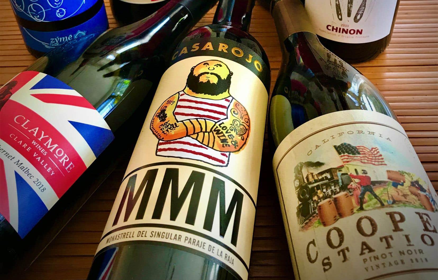 Les étiquettes, volontairement racoleuses, s'adressent avant tout à une clientèle jeune et décomplexée qui s'offre un passeport pour l'aventure, parfois au détriment de la qualité réelle du vin.