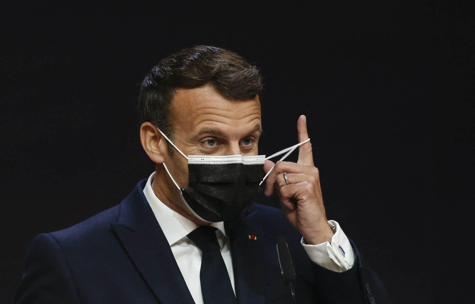 Le président français, Emmanuel Macron, croit que la discussion sur la levée des brevets ne sera pertinente que lorsque les pays les plus développés auront augmenté leurs dons de vaccins envers les pays les plus pauvres