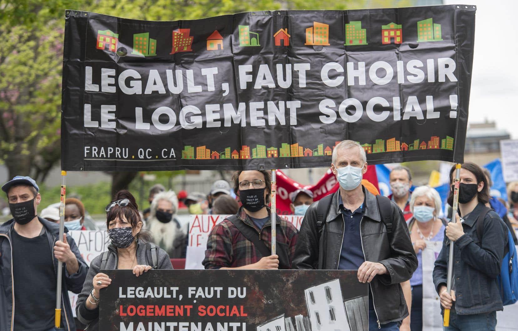Le premier ministre François Legault et la ministre de l'Habitation, Andrée Laforest, ont refusé dans les derniers jours de parler de crise du logement, même si le chef caquiste reconnaît le manque d'habitations abordables.