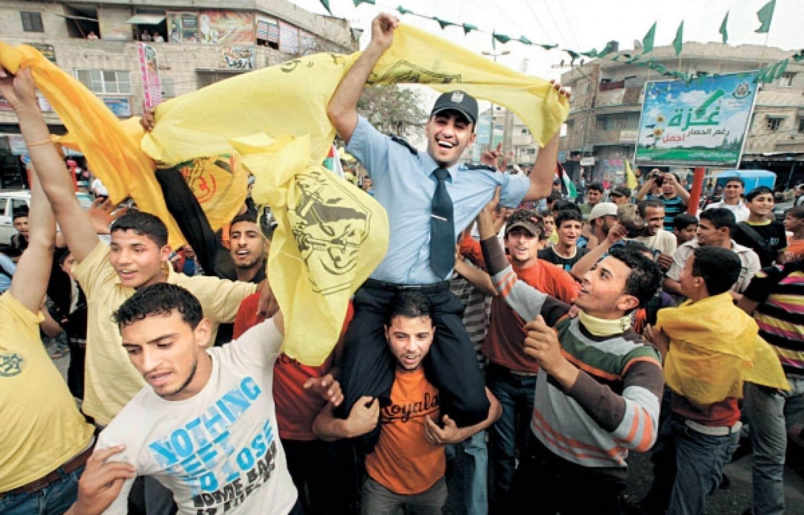 C'était la fête hier dans les rues de Rafah, dans la bande de Gaza, après l'annonce de l'unité retrouvée entre Palestiniens. <br />